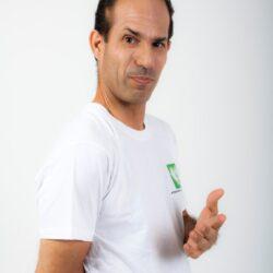 יוגה מעשית -צחצוח שיניים - מה אתם עושים עם היד השנייה?